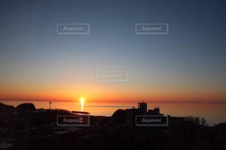 街に沈む夕日の写真・画像素材[1278145]