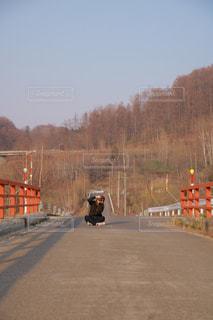 列車は道の端にの写真・画像素材[1279361]