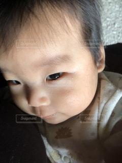 近くに赤ちゃんのアップ - No.893173