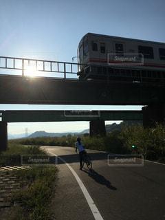 女性,アウトドア,自転車,電車,女子,サイクリング,休日,ロードバイク,余暇,休日の楽しみ