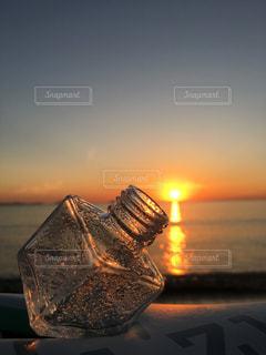 海,夕日,綺麗,夕焼け,夕方,オレンジ,瓶