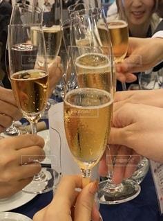 結婚式,グラス,お祝い,乾杯,ドリンク,大人数,酒,おしゃれ,みんなで