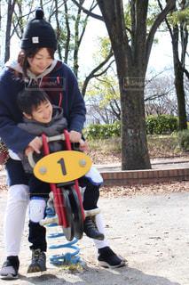 公園,親子,子供,仲良し,休日,ママと息子