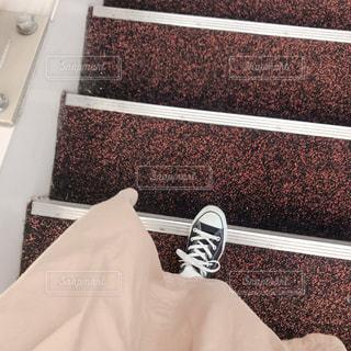赤と白の市松模様の床の写真・画像素材[1834201]