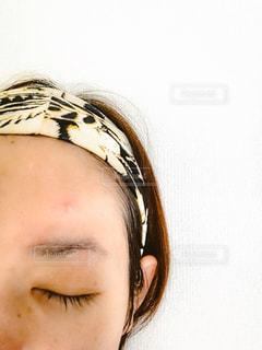 女性,おでこ,洗顔,肌荒れ,ニキビ