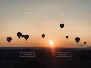 空の熱気球 - No.1194735