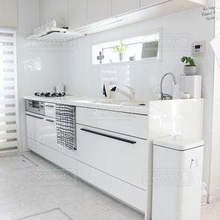 白いキッチンの写真・画像素材[910652]