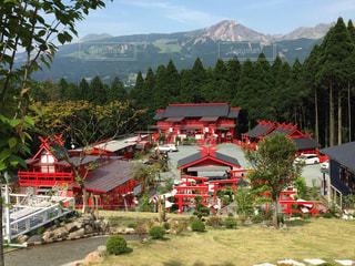 神社も山の写真・画像素材[1014804]