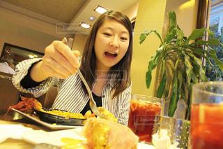 女性,食べ物,食事,女の子,人物,ごはん,おいしい,ポートレート