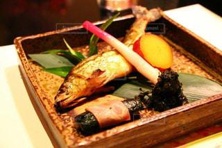 ナイフで食べ物の皿の写真・画像素材[752456]