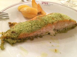 食べ物,観光,旅行,ご飯,料理,イタリア,美味しい,魚料理,サーモン,香草焼き,Italia