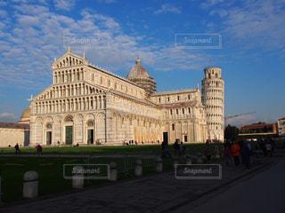 大きな白い建物の写真・画像素材[1197233]