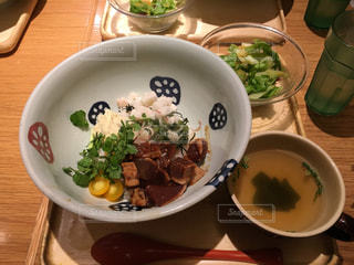 ランチ,スープ,丼,ミニサラダ,カツオのタタキ,おぼん de ごはん