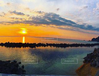 沈む夕日の写真・画像素材[972976]