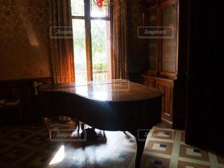 インテリア,綺麗,ピアノ,光,空間