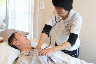 笑顔,障害,医療,ベッド,介護,聴診器,訪問看護,在宅介護,看護,聴診,ヘルパー