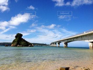 古宇利島を目前に!すでに大興奮♡♡の写真・画像素材[1050244]