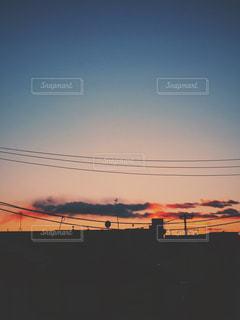街に沈む夕日の写真・画像素材[1288252]