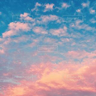 マジックアワーの空の写真・画像素材[1862743]