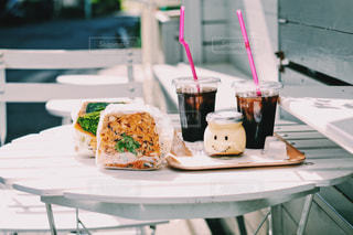 テラス席での食事は気持ちがよい!の写真・画像素材[2258711]