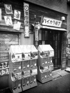 どこか懐かしい昭和な裏路地の写真・画像素材[841765]