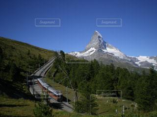 電車とマッターホルンの写真・画像素材[798921]