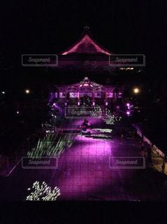 善光寺のライトアップの写真・画像素材[1710217]