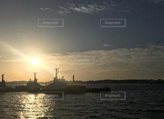 水体の大型船の写真・画像素材[854151]