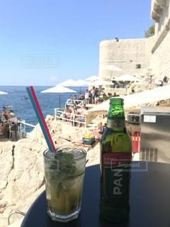海の見えるカフェで乾杯の写真・画像素材[1434381]