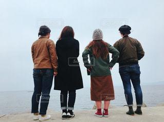 通りを歩く人々 のグループ - No.816805