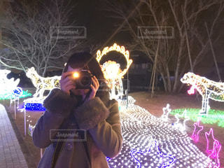女性,公園,冬,カメラ,屋外,イルミネーション,人物,人,キラキラ,クリスマス,熊本