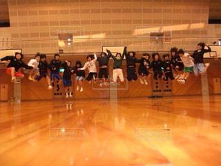 カメラ,スポーツ,屋外,人物,人,笑顔,高校生,バスケ,運動,青春,部活,応援