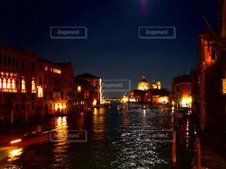 夜の街の景色 - No.914674
