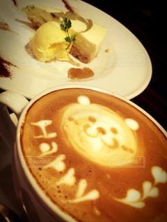 食べ物,カフェ,ラテアート,神戸,happy,三宮,カフェダイニングアンドコンフォートアトリエ