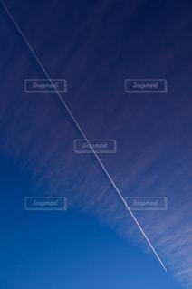 ひこうき雲の写真・画像素材[1114526]