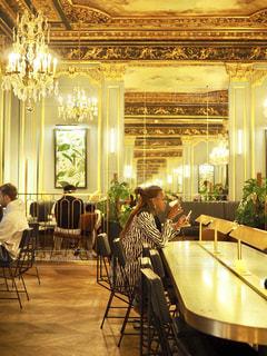 カフェ,インテリア,スターバックス,シャンデリア,フランス,パリ,スタバ,オペラ
