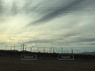 空には雲のグループの写真・画像素材[1002905]