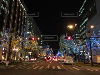 夜の街の景色の写真・画像素材[1680617]