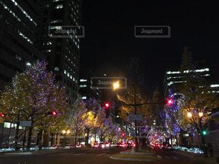 夜の街の景色の写真・画像素材[1680623]