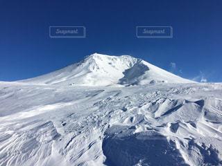 雪の覆われた山々 の景色 - No.880436