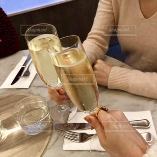 女性,飲み物,人物,イベント,グラス,乾杯,ドリンク,シャンパン,パーティー,手元