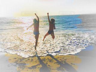 海,空,夏,太陽,ジャンプ,海辺,青春,サンセット,海と水着