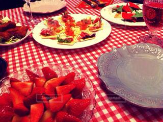 ディナー,リビング,赤,チェック,いちご,テーブル,クリスマス,おいしい,手作り,お家,クリスマスディナー
