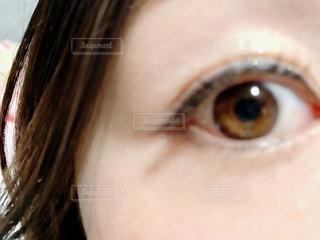 茶色,光,目,eye,裸眼,上を向いて
