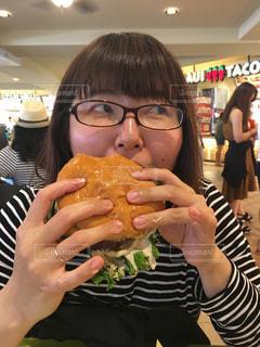 ハンバーガー,Hawaii,美味しい,Yammi,小指立ってる