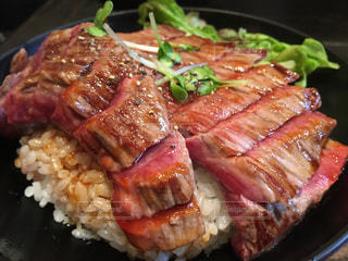 肉,原宿,お洒落,レッドロック,ローストビーフ丼,黒毛和牛,ガッツリ,ステーキ丼