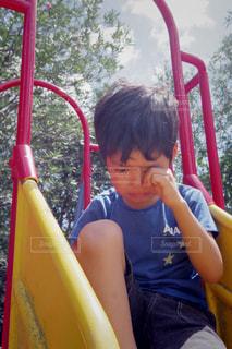 すべり台で遊んでいた男の子の写真・画像素材[736939]