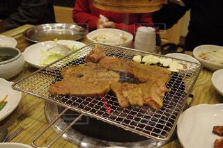 韓国忠州の豚カルビ焼肉の写真・画像素材[917201]
