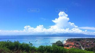 丘の上からのバリの海の写真・画像素材[2330984]