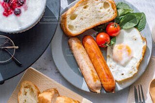 食べ物,朝食,パン,テーブル,昼食,肉,モーニング,新鮮,ソーセージ,ブランチ,プレート,ジョンソンヴィル